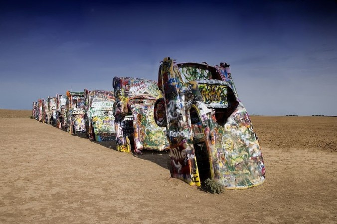 cadillac-ranch-754878_1280