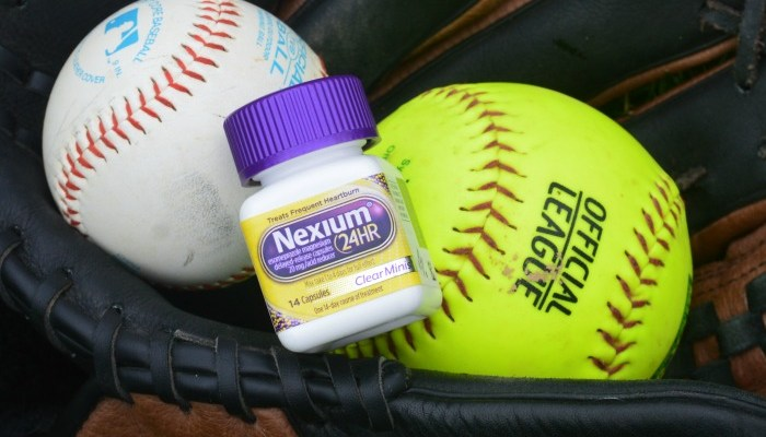 Grab Nexium 24 Hour ClearMinis For A Heartburn Free Time At The Ball Field! #SeeHeartburnDifferently