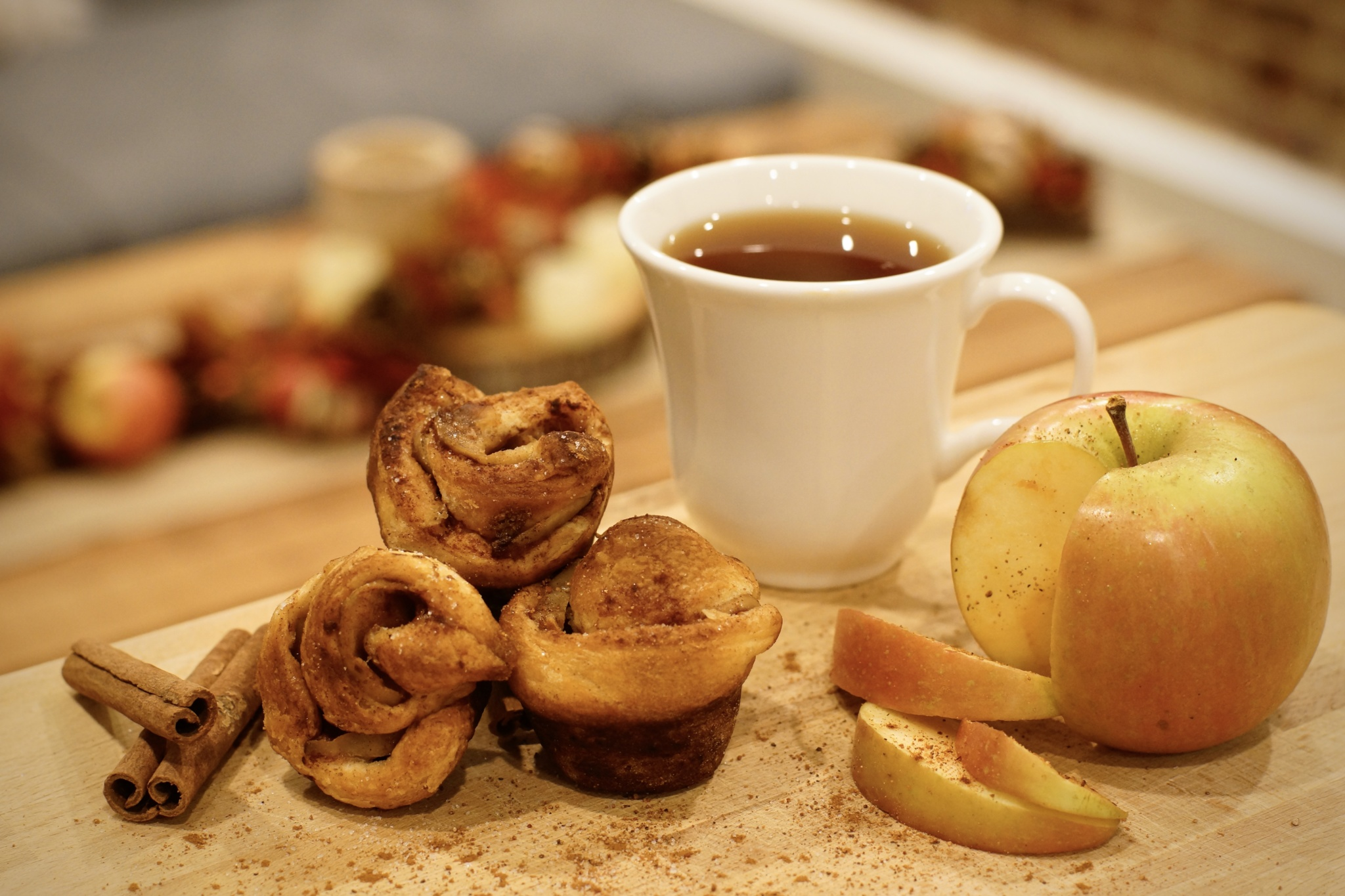 Recipe: Apple Crescent Roses - Dessert Muffin with Sugar and Cinnamon