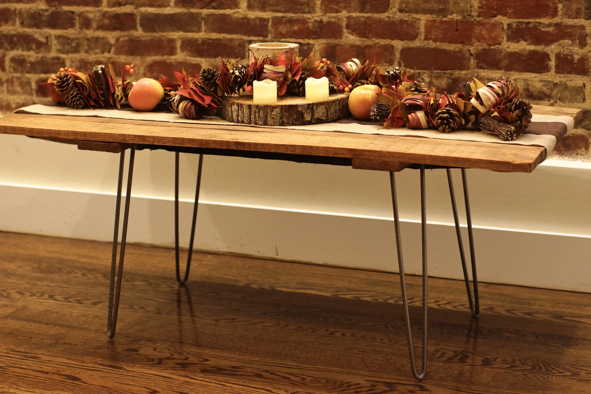 DIY Pallet Coffee Table with Hairpin Legs & Fall Autumn Decor Decorations - Happy Thanksgiving
