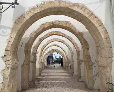 Tunisia — Djerba Street Scene — Arches