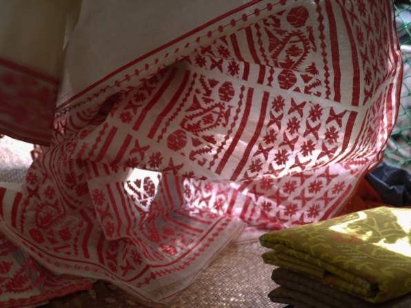 Colorful Jamdani weaving design – Handmade Textiles of Bangladesh