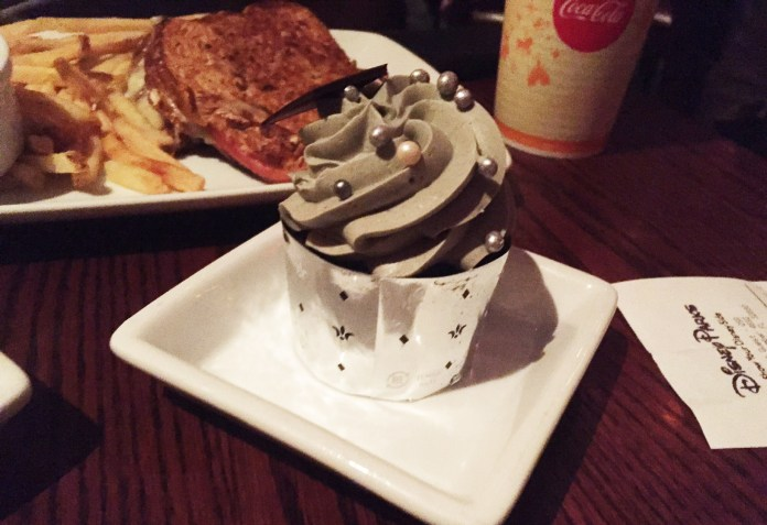 Disney Dining Plan - Best Use of Snack Credits - Grey Stuff Cupcake at Be Our Guest Restaurant in the Magic Kingdom, Walt Disney World