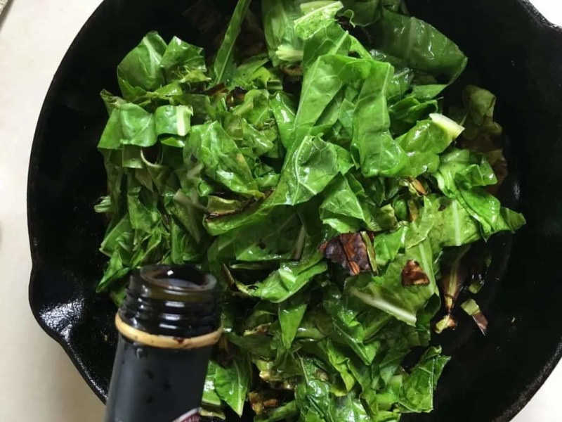steamed collards with balsamic vinegar