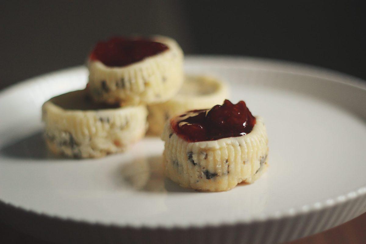 Strawberry Basil Cheesecake Bites | The Kitchen Gent
