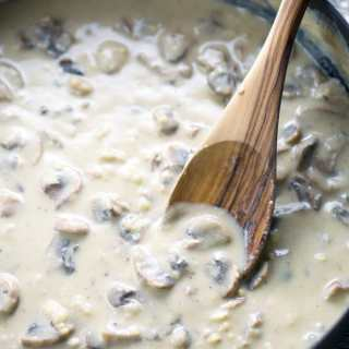 You really WON'T believe it's vegan cream of mushroom soup! Made with real mushrooms. So easy, creamy, and rich! #lowsalt #vegan #vegansoup #creamofmushroom #vegancreamofmushroom #glutenfree #mushroomsoup #Thanksgiving #Christmas