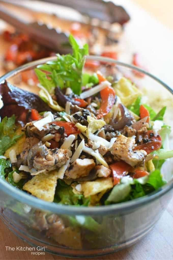 Chicken fajita tex mex salad bowl the kitchen girl chicken fajita tex mex salad bowl low carb gluten free fajitas in a forumfinder Image collections