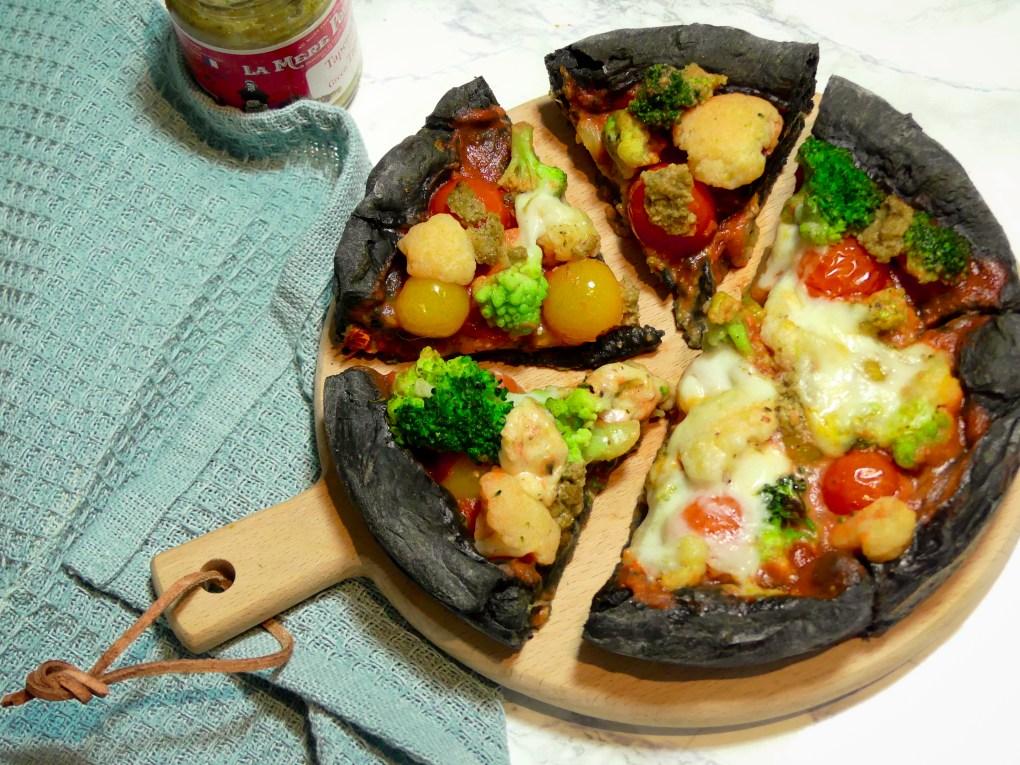 Pizza au charbon (2)