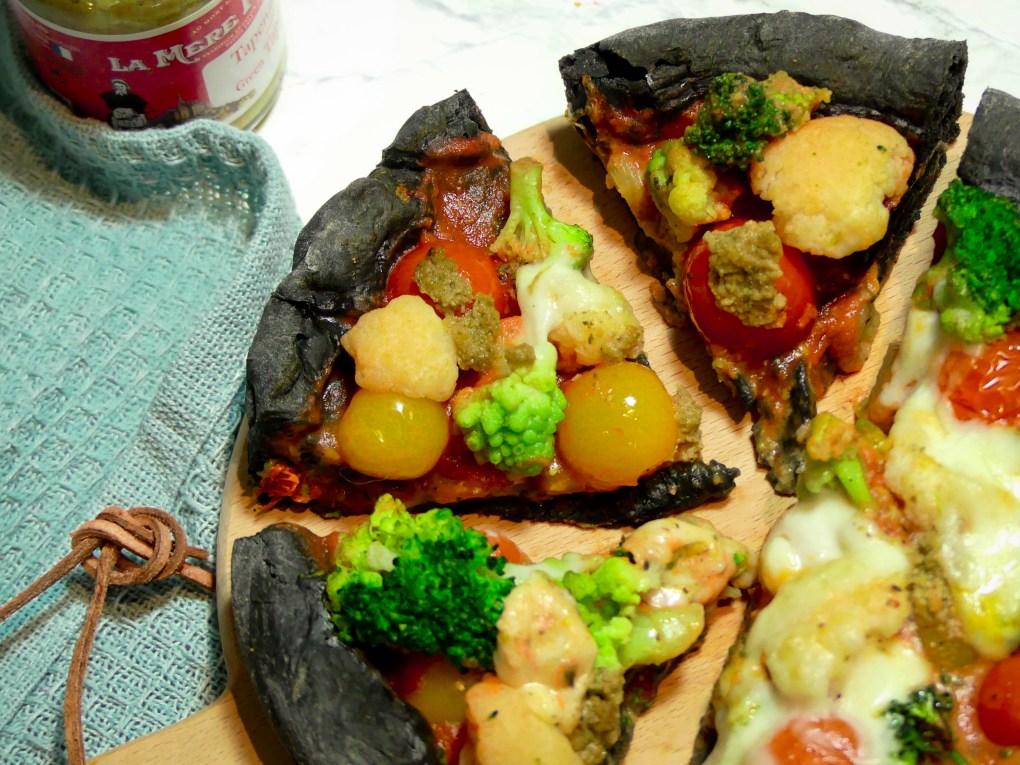 Pizza au charbon (3)