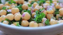 Clean Eating Lemony Chickpea Salad