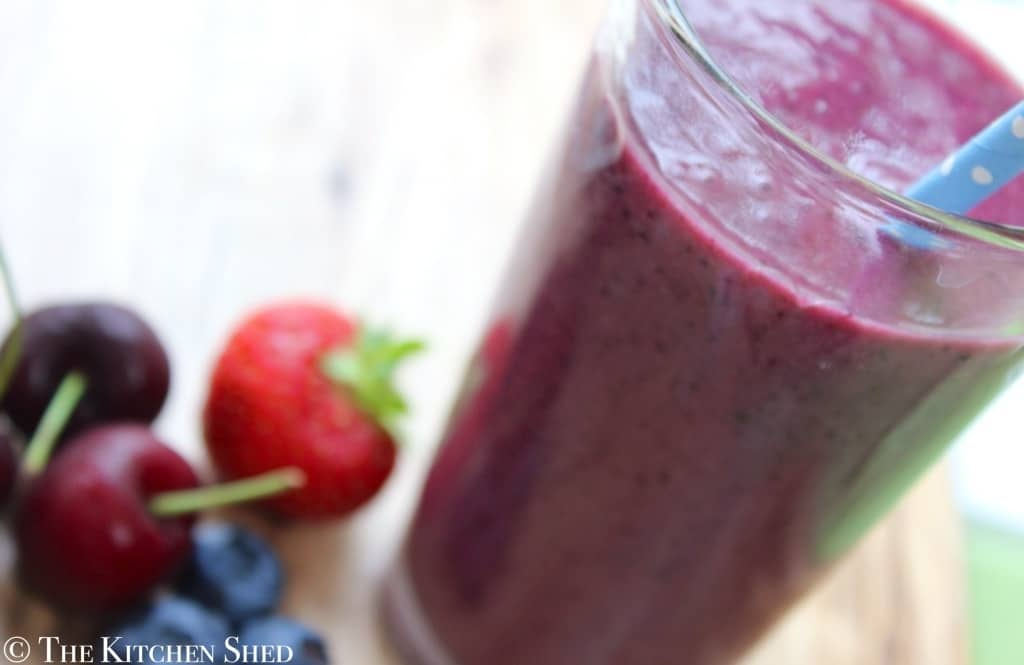 Clean Eating Super Berry Smoothie
