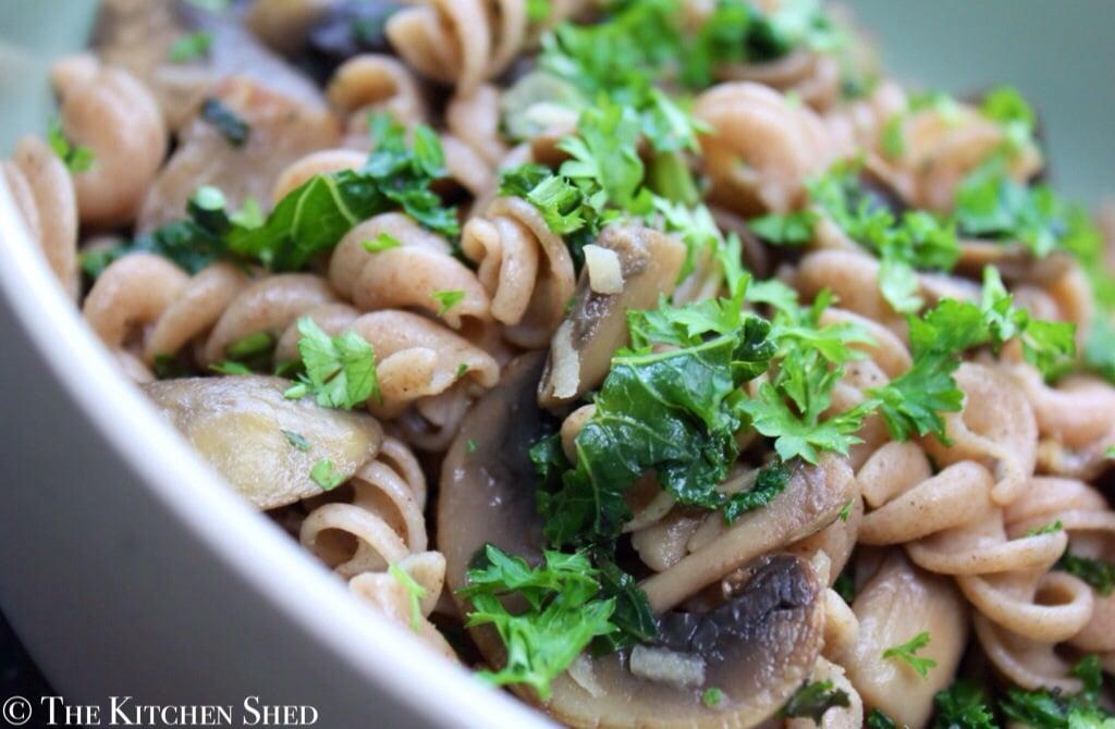 Clean Eating Spelt Pasta with Garlic Mushrooms & Kale