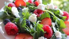 Clean Eating Baby Kale Berry Salad – And A Giveaway!