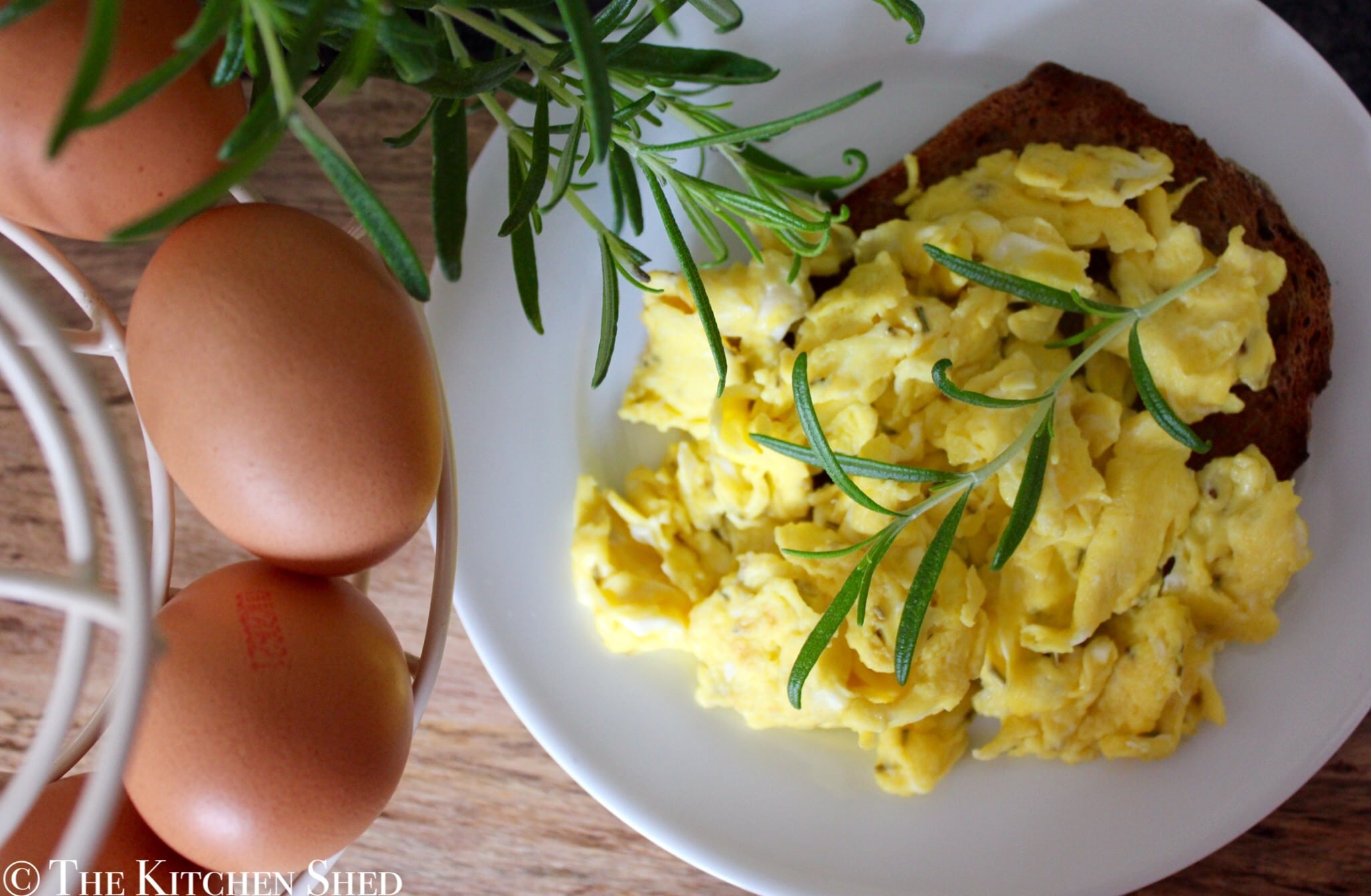 Clean Eating Rosemary & Sea Salt Scrambled Eggs