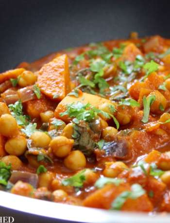 Clean Eating Chickpea, Sweet Potato & Spinach Curry 2