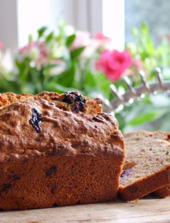 Clean Eating Wholegrain Blueberry Banana Bread