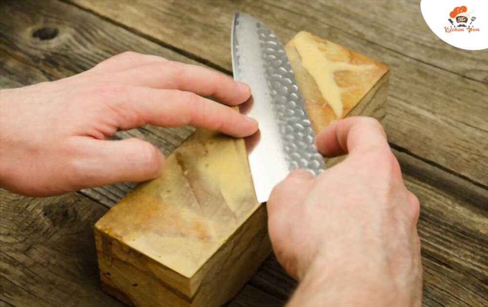 what is a santoku knife used for