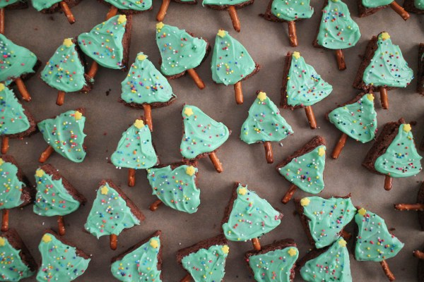 christmas-tree-brownie-bites-4
