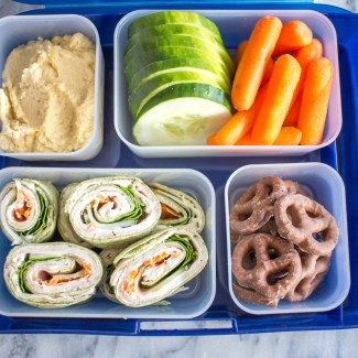 An Easy Packable Lunch: Turkey and Cheese Pinwheels
