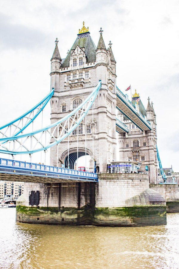 Travelingto London? I have gathered up150+ things to do in London.