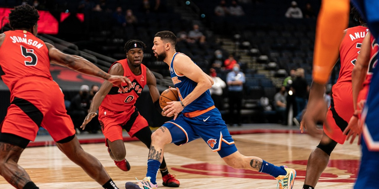 Historically Awful Shooting Drowns Knicks in Loss to Raptors
