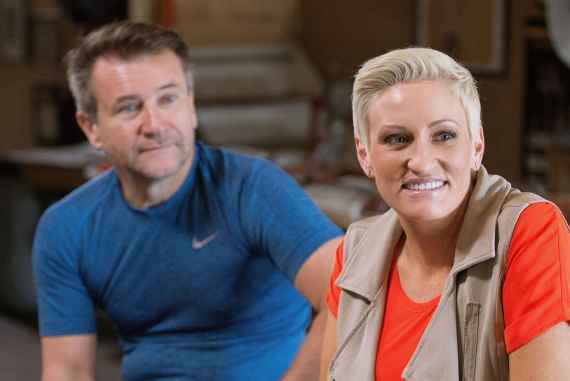 Deluxe's Amanda Brinkman and Shark Tank investor Robert Herjavec Small Business Revolution