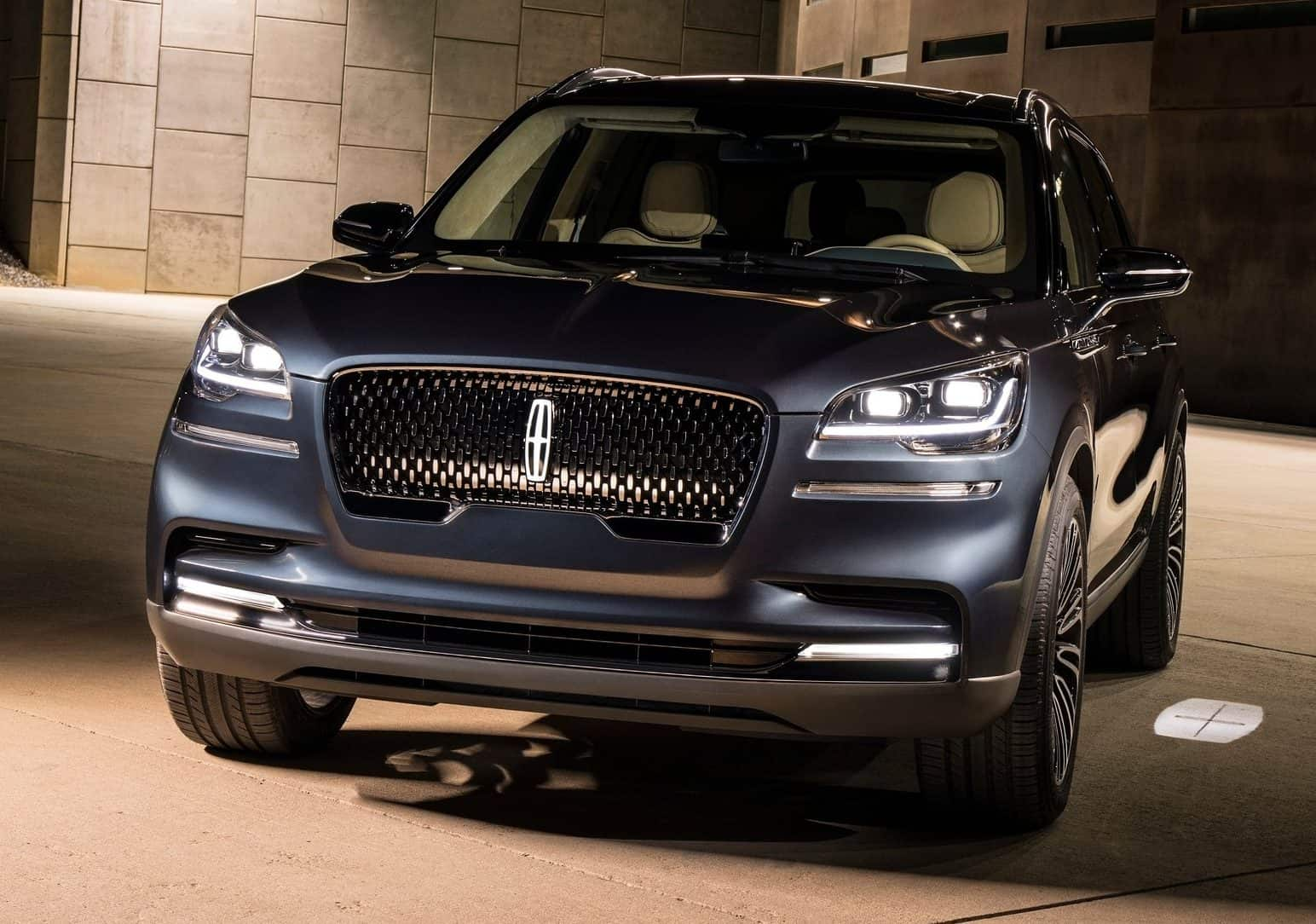 NYIAS 2018 Lincoln Aviator Concept Offers A Glimpse Into