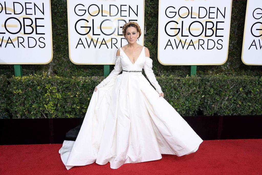 Sarah Jessica Parker Wears Wedding Dress To Golden Globes 2017
