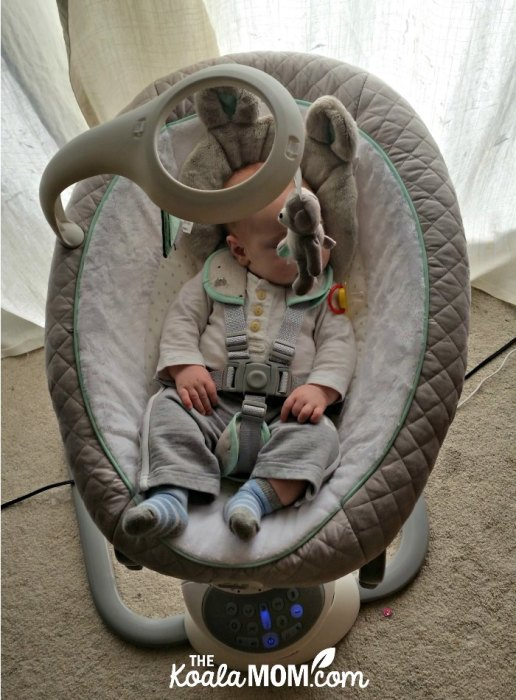 The Graco Everyway Soother moves like mama to get baby to sleep!