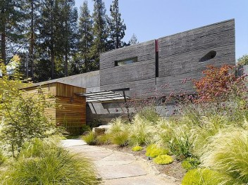 hybrid-wood-and-concrete-home-1-thumb-630xauto-35995