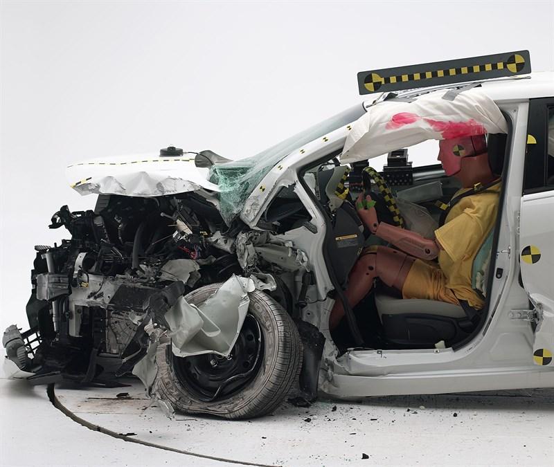 2013-kia-rio-small-overlap-crash-test-3 - korean car blog