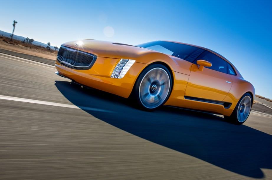 Kia_GT4_Stinger_concept_unveiled_at_2014_Detroit_Motor_Show_Kia_50037