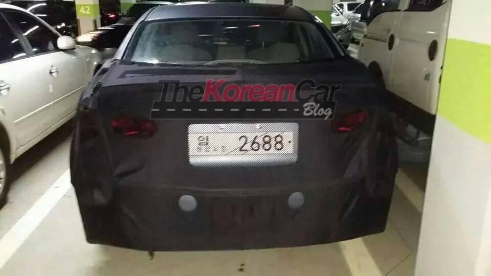 2016-hyundai-elantra-scooped-in-south-korea