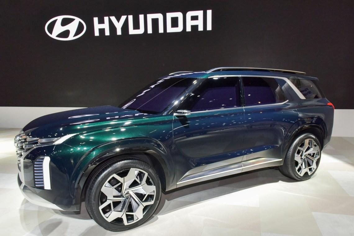 Hyundai Santa Fe XL previewed (4)