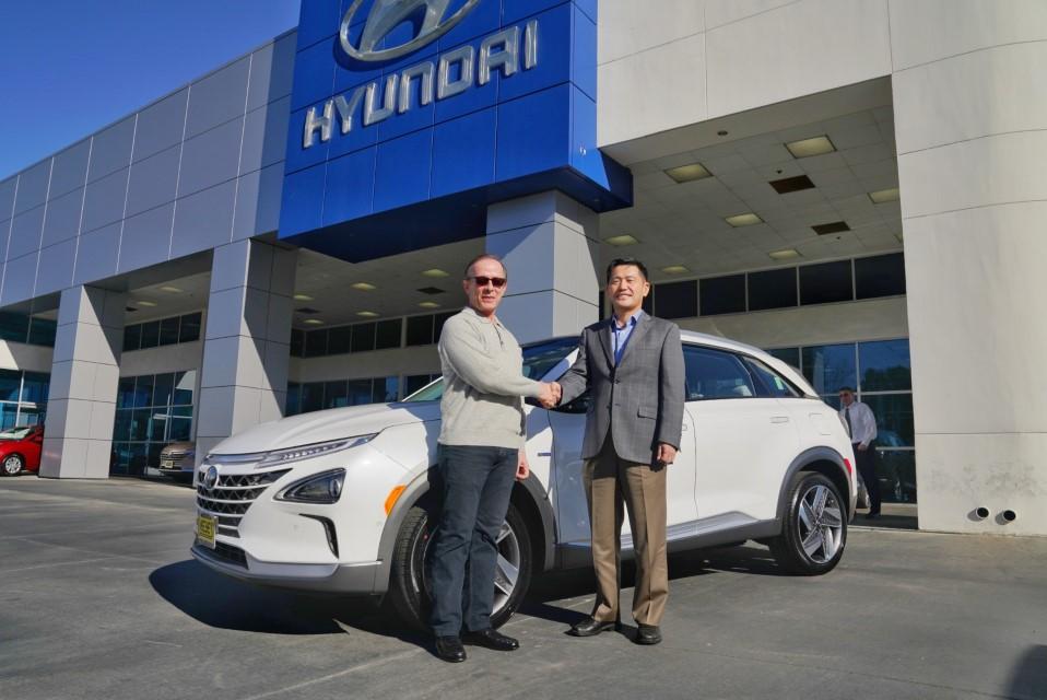 Hyundai NEXO First deliver (2)