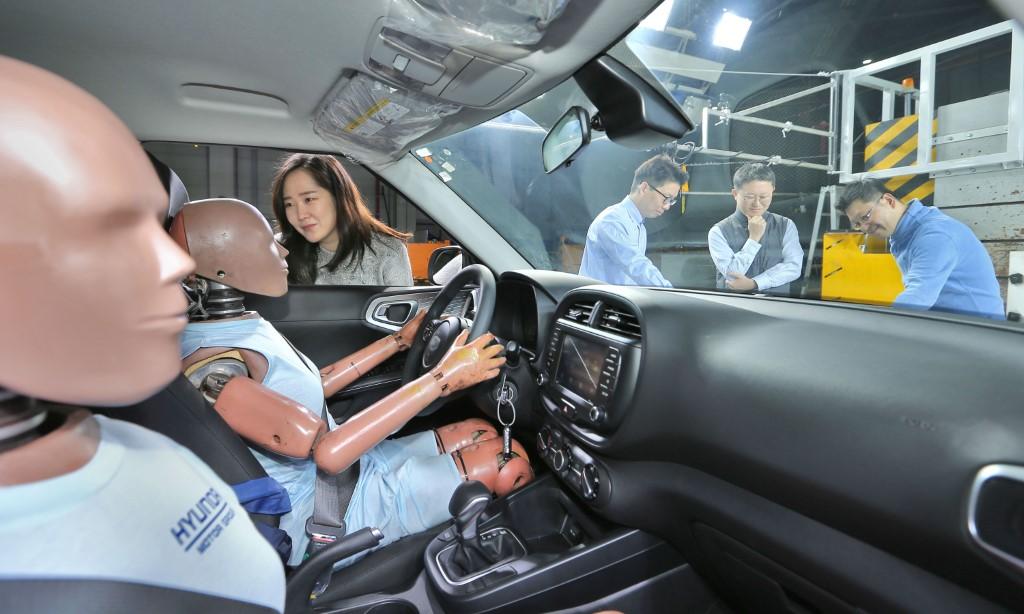 hyundai kia new multiple collision airbags (1)