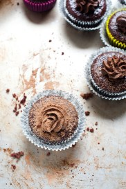 Little roasted beetroot and dark chocolate cakes