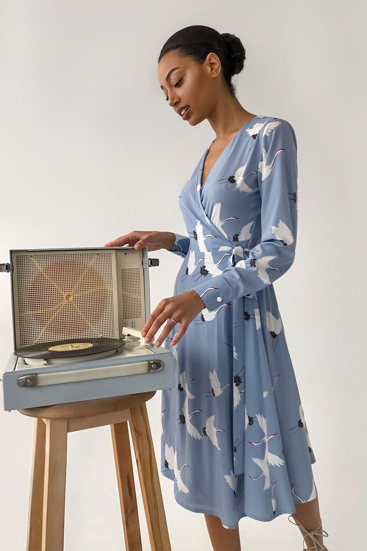Платье миди на запах голубое Sunbirds - THE LACE