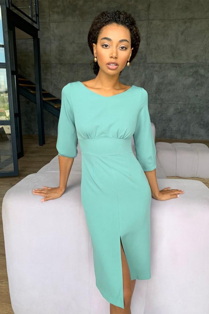 Платье миди с фигурной талией фисташковое - THE LACE