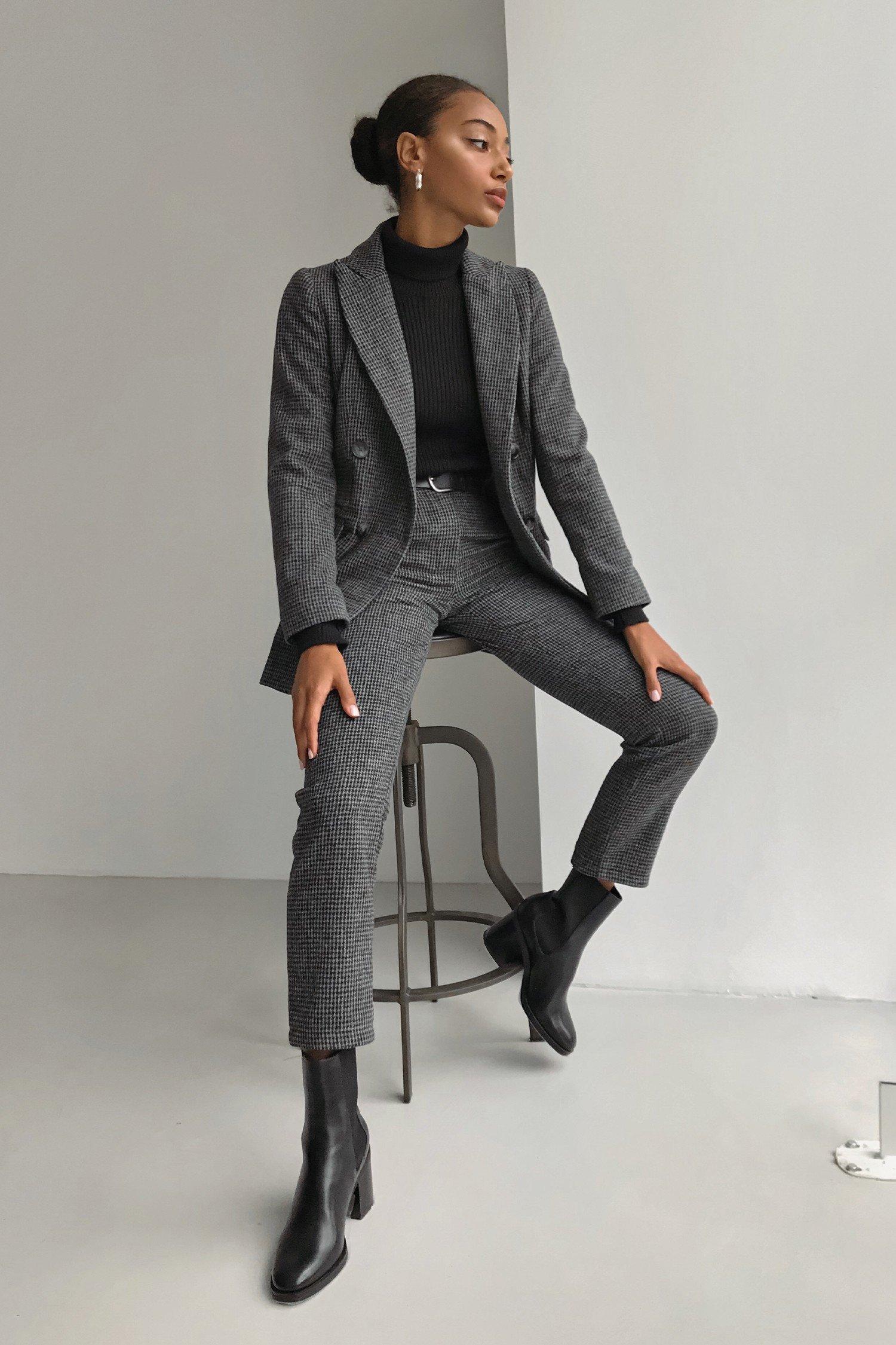 Шерстяной костюм с брюками серый - THE LACE