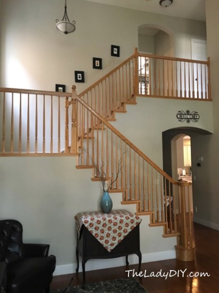 Golden oak staircase - the before picture in the DIY staircase makeover