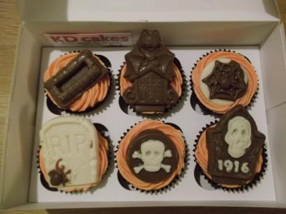Halloween chocolate toppers