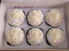 Love hearts cupcakes