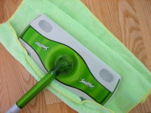 Homemade Swiffer Clothes and Solution!
