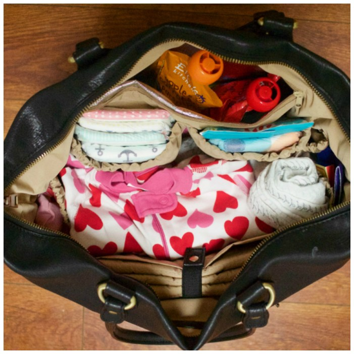 9 Summer Diaper Bag Essentials For Moms