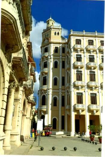 cuba-buildings