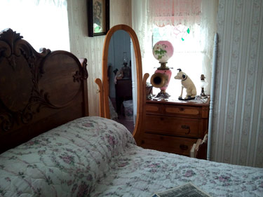 Ethel_Breed_room_04