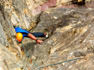 Climbing Sweet Dreams - Blue Moiuntains