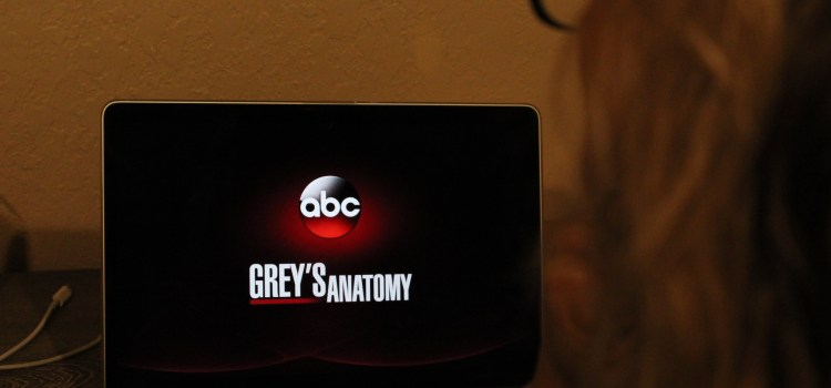 "A season of love: ""Grey's Anatomy"" premieres its 15th season"
