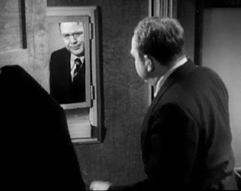 Thomas Mitchell in The Dark Mirror
